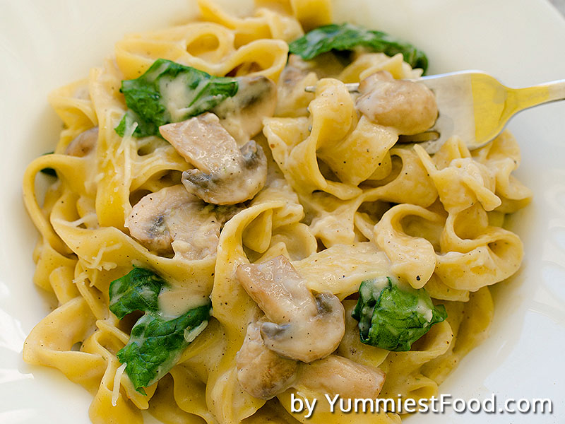 quick-Fettuccine pasta with mushrooms and spinach is very fresh and healthy dish and it is very easy to cook