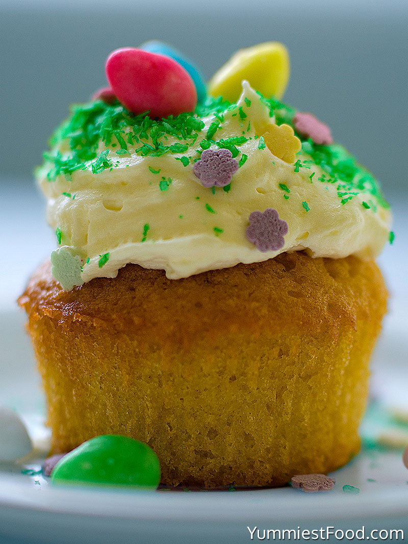 Easter Colorful Cupcakes - Served