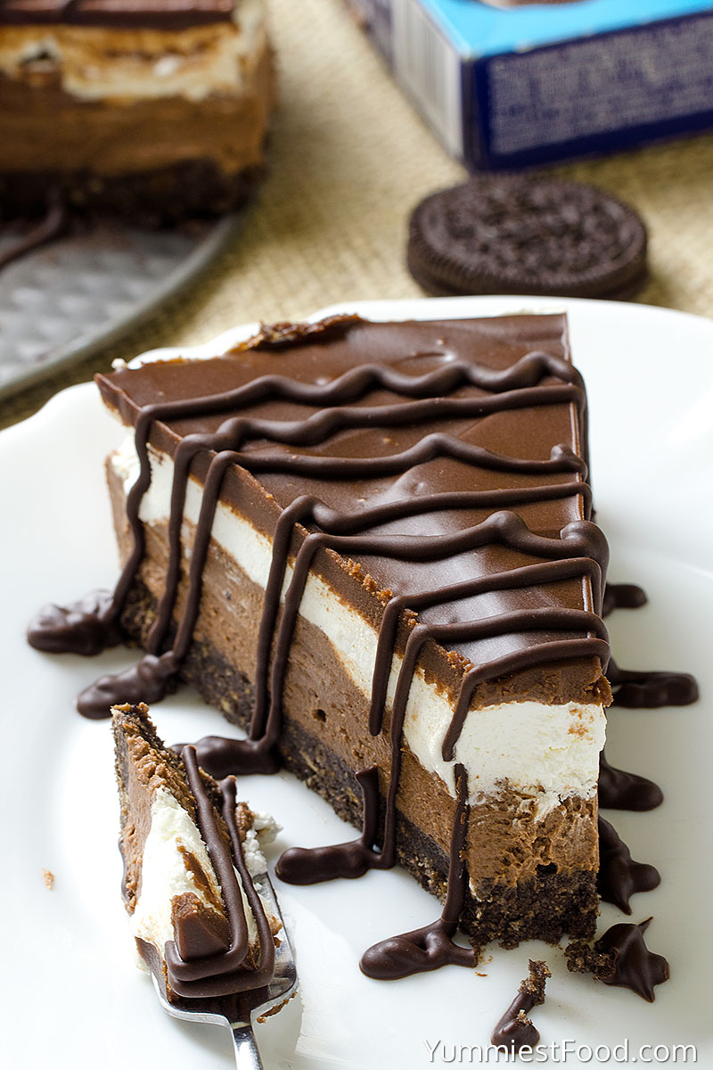 Layered Chocolate Cheesecake with Oreo Crust