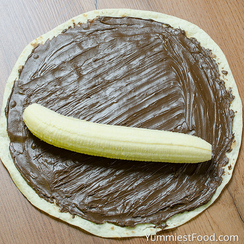 Banana and Nutella Sushi - Making - Step 1