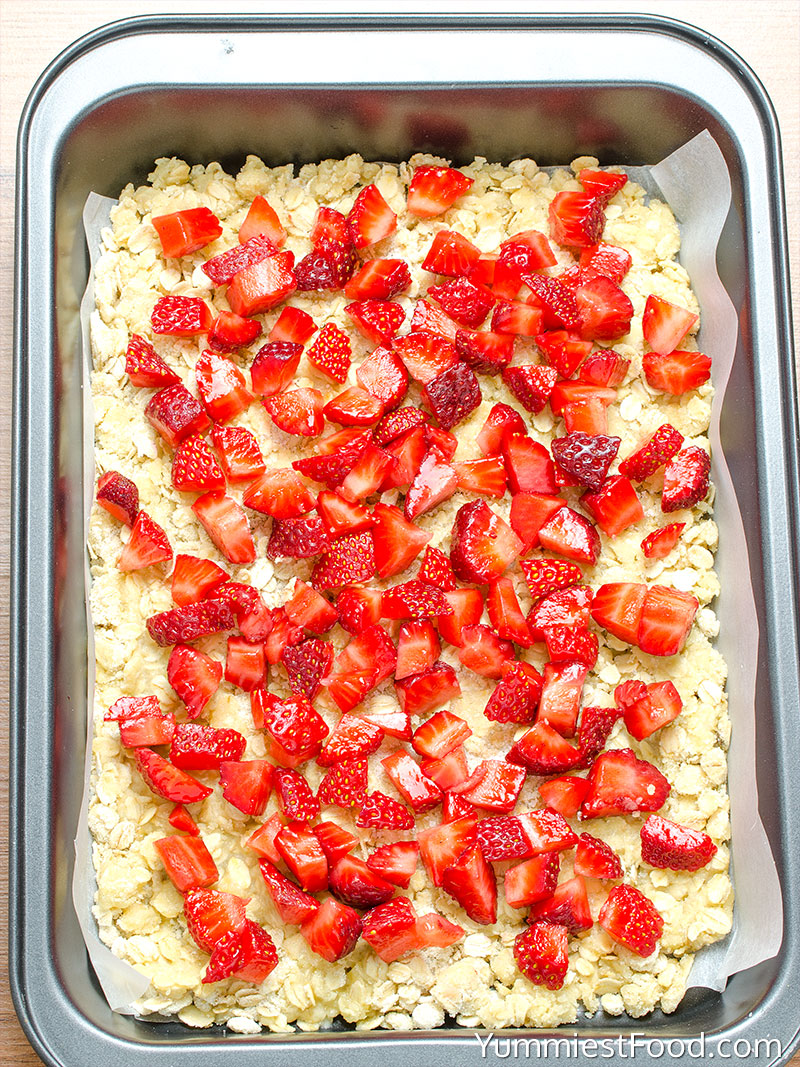 Healthy Breakfast Strawberry Oatmeal Bars - Making