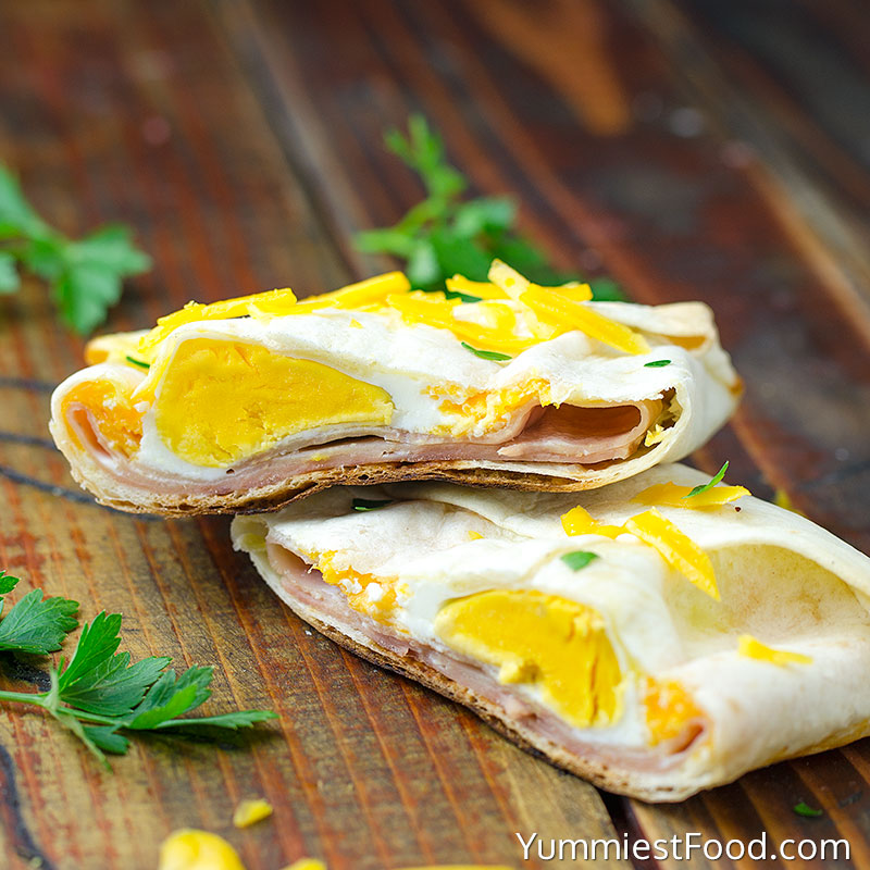 Ham and Cheese Breakfast Pockets
