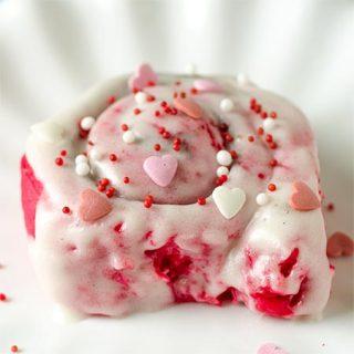 Red Velvet Valentines Cinnamon Rools