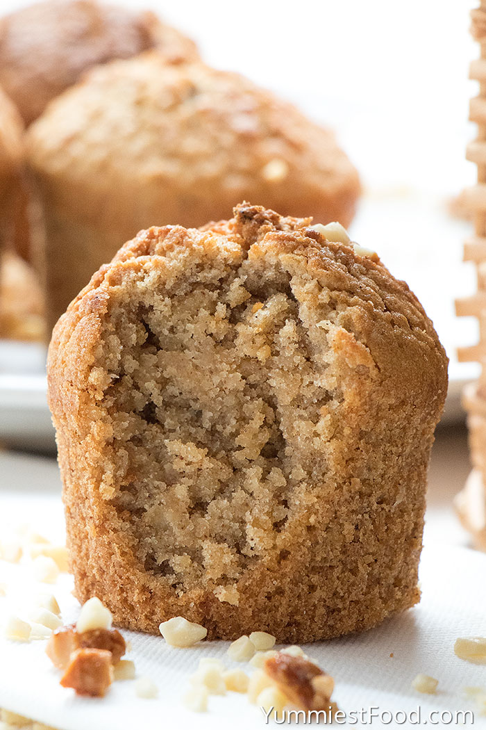 Cinnamon Nutmeg Oatmeal Muffins