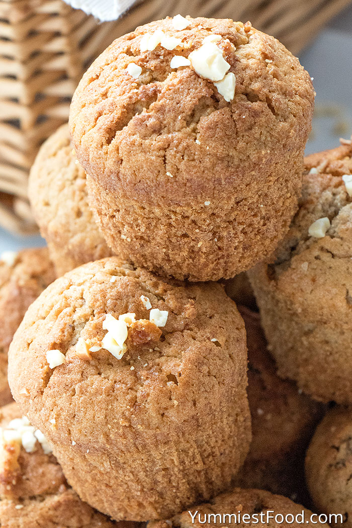 Healthy Cinnamon Nutmeg Oatmeal Muffins