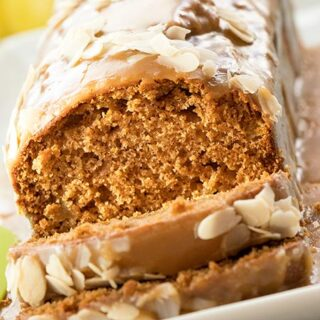 Caramel Apple Bread with Cinnamon and Nutmeg Recipe - Featured Image